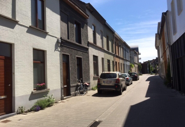 L Van Houtte str 1